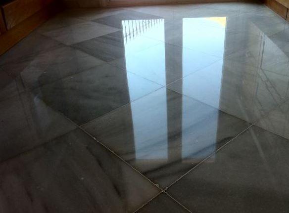pulir marmol de suelo